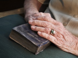 orig_Old_hands_on_Bible